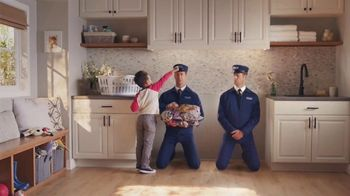 Maytag TV Spot, 'Extra Power Button: On/Off' Featuring Colin Ferguson - Thumbnail 3