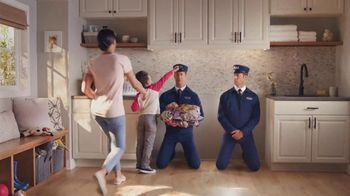 Maytag TV Spot, 'Extra Power Button: On/Off' Featuring Colin Ferguson - Thumbnail 4