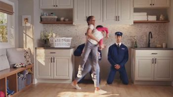 Maytag TV Spot, 'Extra Power Button: On/Off' Featuring Colin Ferguson - Thumbnail 5