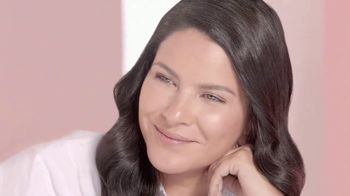 Cicatricure Blur & Filler TV Spot, 'Menos arrugas' con Litzy [Spanish] - Thumbnail 9