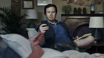 The Walking Dead: Our World TV Spot, 'Oh Snap' - Thumbnail 7