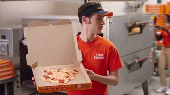Little Caesars Pizza Hot-N-Ready Thin Crust TV Spot, 'Sin masa' [Spanish] - Thumbnail 4