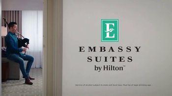 Embassy Suites Hotels TV Spot, 'Sweet Stays' Featuring Jonathan Scott - Thumbnail 9