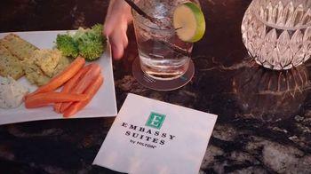 Embassy Suites Hotels TV Spot, 'Sweet Stays' Featuring Jonathan Scott - Thumbnail 7
