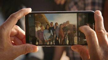 T-Mobile TV Spot, 'Señal: llegó el iPhone 11' canción de Aerosmith [Spanish] - Thumbnail 2