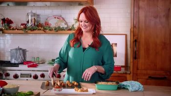 The Pioneer Woman Frozen Meals TV Spot, 'Goat Cheese Bites and Green Bean Casserole' Featuring Ree Drummond - Thumbnail 7