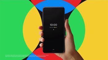 Google Pixel 4 TV Spot, 'Hecho en la forma de Google' canción de 3 One Oh [Spanish] - Thumbnail 3