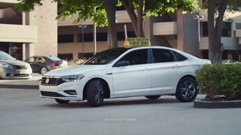 2019 Volkswagen Jetta TV Spot, 'Aprender a manejar' [Spanish] [T2] - Thumbnail 2