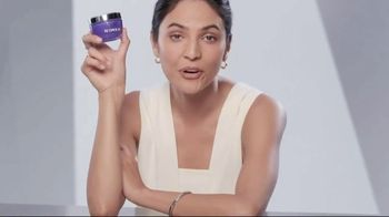 Olay Regenerist Retinol 24 TV Spot, 'Above the Competition'