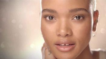 Olay TV Spot, 'Glow Like Whoa' - Thumbnail 9