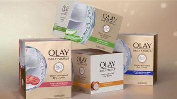 Olay TV Spot, 'Glow Like Whoa' - Thumbnail 8