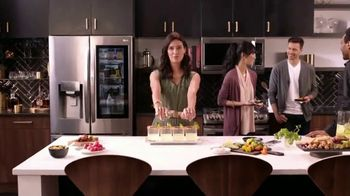 LG InstaView Refrigerator TV Spot, 'Be a Baller' Song by The Heavy - Thumbnail 5