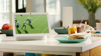 Google Nest Hub Max TV Spot, 'Check This Out' - Thumbnail 1