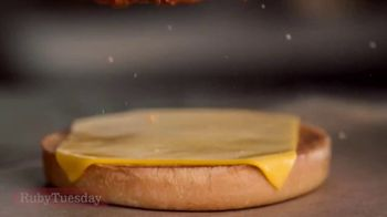 Ruby Tuesday Hot & Honey Bacon Chicken TV Spot, 'Country Songs' - Thumbnail 1