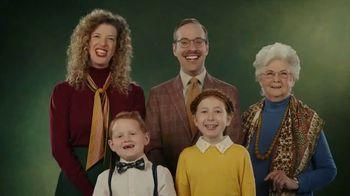 Little Caesars EXTRAMOSTBESTEST Stuffed Crust Pepperoni Pizza TV Spot, 'Family Photo'