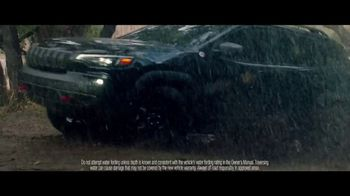 Jeep Fourth of July Sales Event TV Spot, 'It's a Trail' Song by Dermot Kennedy [T1] - Thumbnail 5