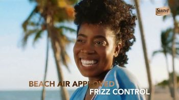 Suave Professionals with Shea Butter & Pure Coconut Oil TV Spot, 'For Amazing Wash & Care' Featuring Temitope Adesina, Charlize Glass - Thumbnail 7