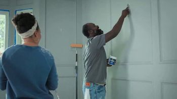 Lowe's 4th of July Savings TV Spot, 'Paints and Stain' - Thumbnail 1