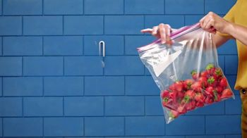 Ziploc TV Spot, 'Fresh Strawberries' - Thumbnail 3