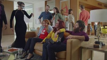 Sling TV Spot, 'Outfits' Featuring Nick Offerman, Megan Mullally - Thumbnail 2