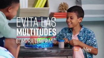Ashley HomeStore Stars & Stripes the Freedom to Save Event TV Spot, 'Evita las multitudes' canción de Midnight Riot [Spanish]