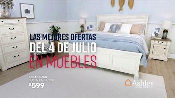 Ashley HomeStore Stars & Stripes the Freedom to Save Event TV Spot, 'Evita las multitudes' canción de Midnight Riot [Spanish] - Thumbnail 5