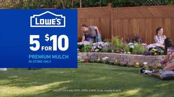 Lowe's TV Spot, 'July 4th: Charcoal and Mulch' - Thumbnail 6