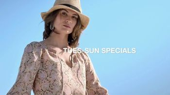 Macy's July 4th Sale TV Spot, 'Sandals, Stand Mixer and Pillows' - Thumbnail 3