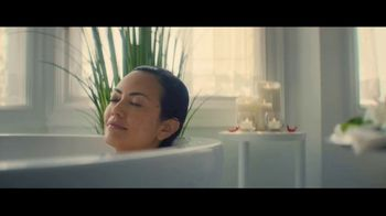 Quicken Loans Rocket Mortgage TV Spot, 'More Than a Bath' Song by Bob Dylan