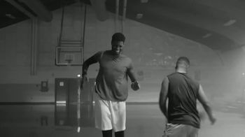 Icy Hot Lidocaine Dry Spray TV Spot, 'The Rules Just Changed' Featuring Shaquille O'Neal - Thumbnail 1
