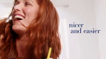 Clairol Nice 'N Easy TV Spot, 'Now in Creme' - Thumbnail 9