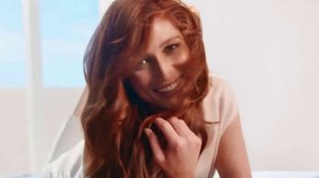 Clairol Nice 'N Easy TV Spot, 'Now in Creme' - Thumbnail 4