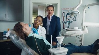 Esurance TV Spot, 'Dentist' Featuring Dennis Quaid - Thumbnail 1