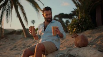 Dunkin' Donuts Hershey's Candy Flavors TV Spot, 'Dessert Island' - 955 commercial airings