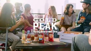 Gold Peak Iced Tea TV Spot, 'Real Comforts of Home' Song by Big Little Lions - Thumbnail 10