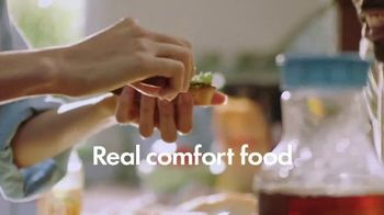 Gold Peak Iced Tea TV Spot, 'Real Comforts of Home' Song by Big Little Lions - Thumbnail 3