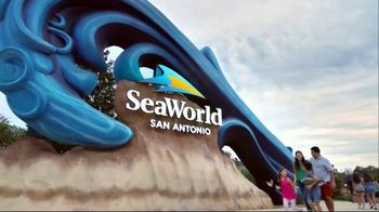 SeaWorld 4th of July Sale TV Spot, 'Feels Amazing: 3 Days, 2 Parks' - Thumbnail 1
