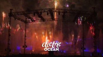 SeaWorld 4th of July Sale TV Spot, 'Feels Amazing: 3 Days, 2 Parks' - Thumbnail 5