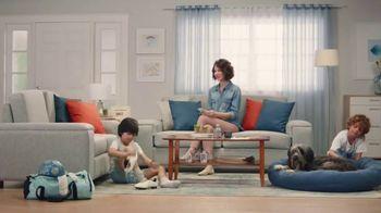 Febreze PLUG TV Spot, 'Nose Blind: Alternating Scents' - Thumbnail 3