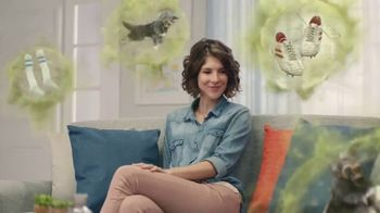 Febreze PLUG TV Spot, 'Nose Blind: Alternating Scents'