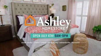Ashley HomeStore Stars & Stripes Mattress Event TV Spot, '$300 Ashley Cash' Song by Midnight Riot - Thumbnail 6