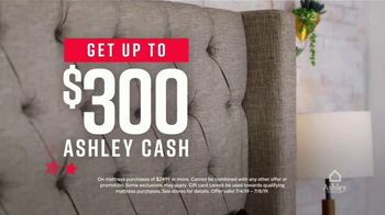 Ashley HomeStore Stars & Stripes Mattress Event TV Spot, '$300 Ashley Cash' Song by Midnight Riot - Thumbnail 5