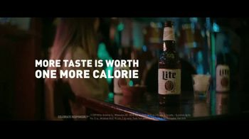 Miller Lite TV Spot, 'Walk' - Thumbnail 7
