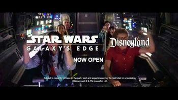 Disneyland TV Spot, 'Disney Channel: Star Wars: Galaxy's Edge' Feat. Miranda May and Sean Giambrone - Thumbnail 9
