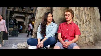 Disneyland TV Spot, 'Disney Channel: Star Wars: Galaxy's Edge' Feat. Miranda May and Sean Giambrone - Thumbnail 6