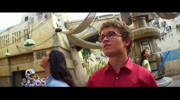 Disneyland TV Spot, 'Disney Channel: Star Wars: Galaxy's Edge' Feat. Miranda May and Sean Giambrone - Thumbnail 8