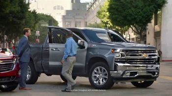 Chevrolet 4th of July Sales Event TV Spot, 'Can't Stop Staring' [T2] - Thumbnail 3