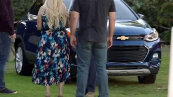 Chevrolet 4th of July Sales Event TV Spot, 'Can't Stop Staring' [T2] - Thumbnail 4