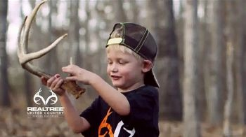 Realtree United Country Hunting Properties TV Spot, 'All the Reasons' Song by Scott Fritz - Thumbnail 8