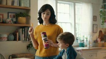 Pringles Wavy TV Spot, 'Daddy' - Thumbnail 5